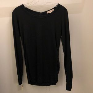 Solow Sport black LS top with zipper in back, sz L